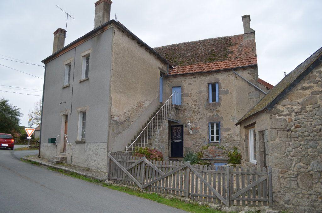 Maison à vendre 10 200m2 à Toulx-Sainte-Croix vignette-2
