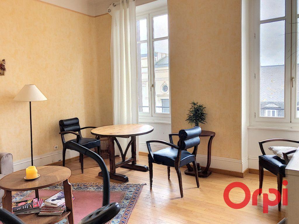 Appartement à vendre 2 45.18m2 à Montluçon vignette-1