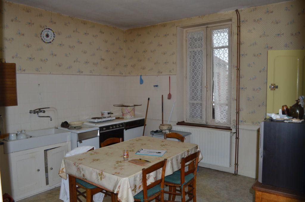Maison à vendre 4 100m2 à Nouhant vignette-4