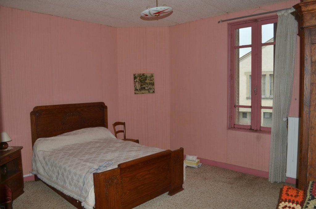 Maison à vendre 4 100m2 à Nouhant vignette-6