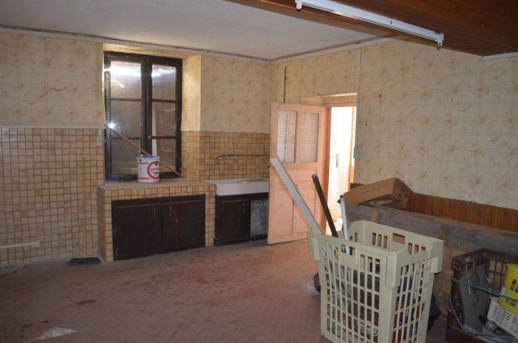 Maison à vendre 13 327m2 à Clugnat vignette-6