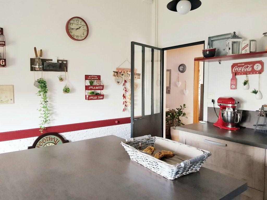 Maison à vendre 6 120m2 à Montluçon vignette-5