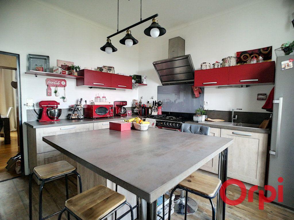 Maison à vendre 6 120m2 à Montluçon vignette-6