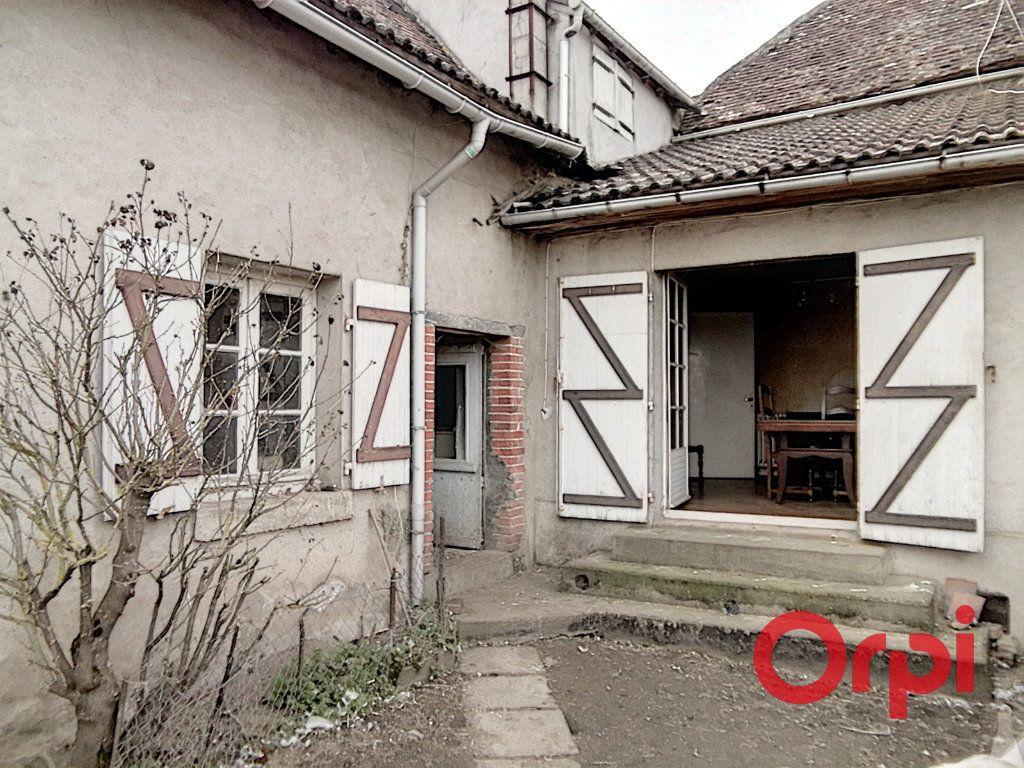 Maison à vendre 5 103m2 à Montluçon vignette-1