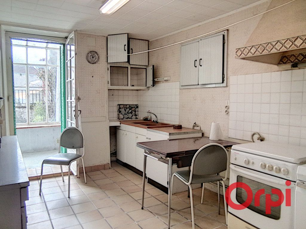 Maison à vendre 5 103m2 à Montluçon vignette-3