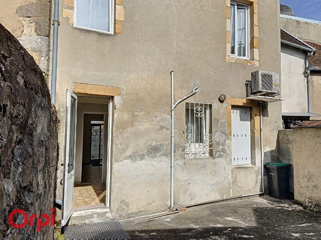 Immeuble à vendre 0 100m2 à Montmarault vignette-17