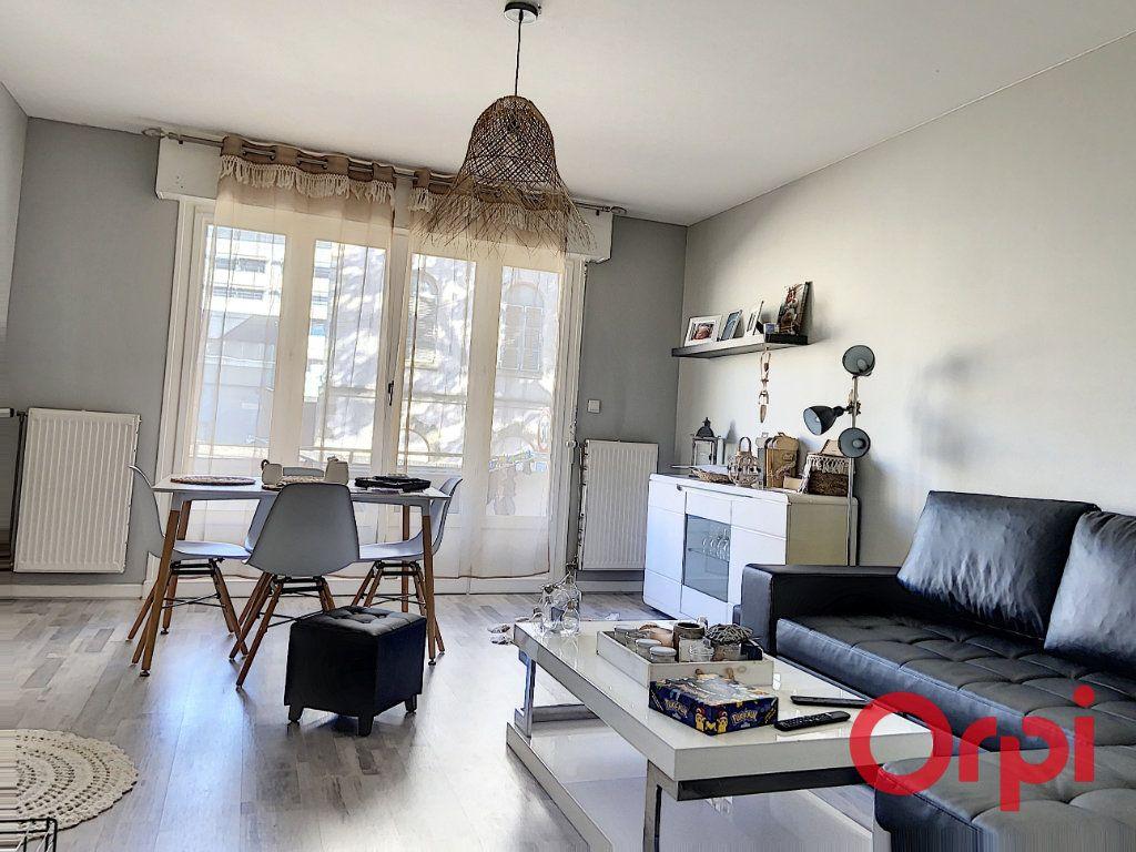 Appartement à vendre 2 54.78m2 à Montluçon vignette-1