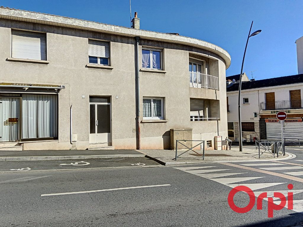 Appartement à vendre 2 54.78m2 à Montluçon vignette-4