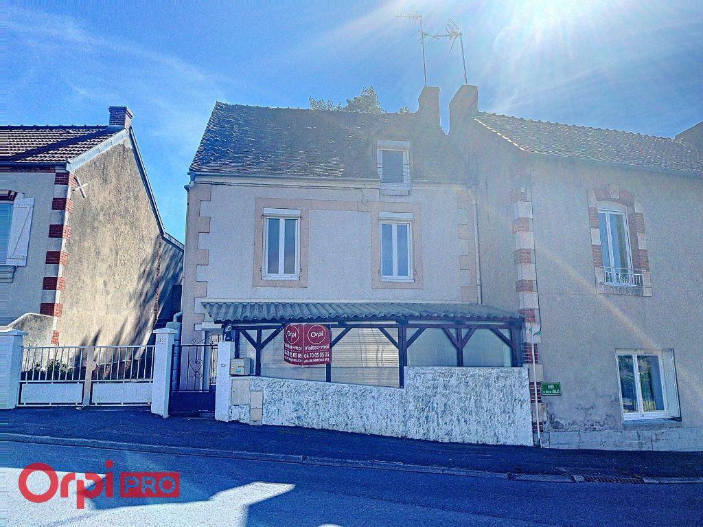 Maison à vendre 5 69m2 à Domérat vignette-1