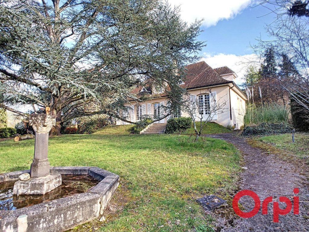 Maison à vendre 7 208m2 à Néris-les-Bains vignette-1