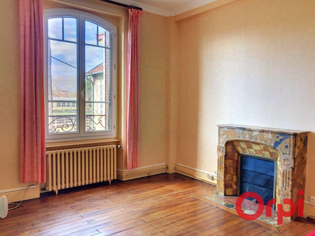 Maison à vendre 11 176m2 à Montluçon vignette-5