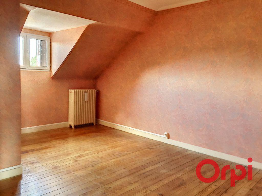 Maison à vendre 11 176m2 à Montluçon vignette-10
