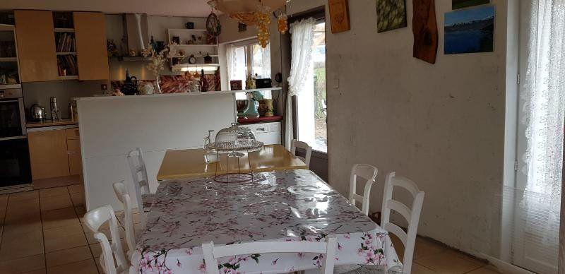 Maison à vendre 6 210m2 à Malleret-Boussac vignette-3