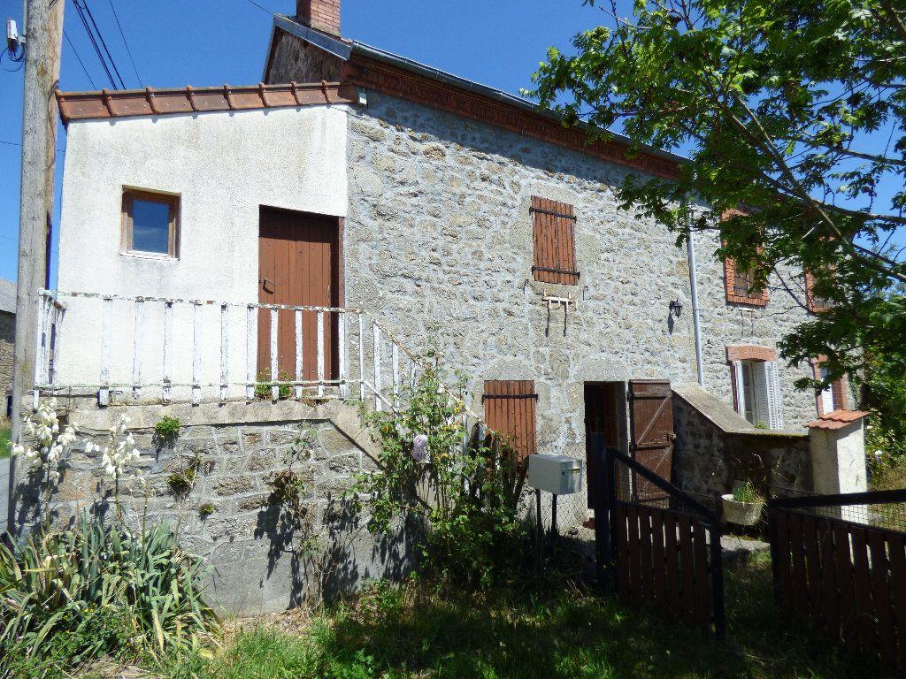 Maison à vendre 4 102m2 à La Serre-Bussière-Vieille vignette-1