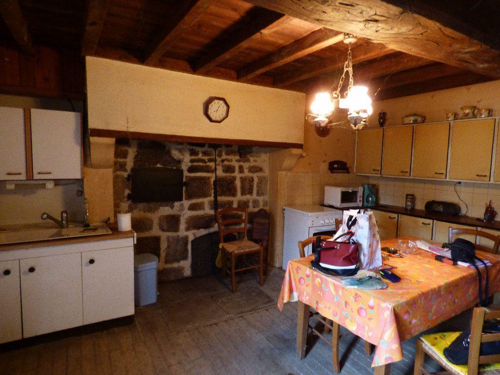 Maison à vendre 4 102m2 à La Serre-Bussière-Vieille vignette-4