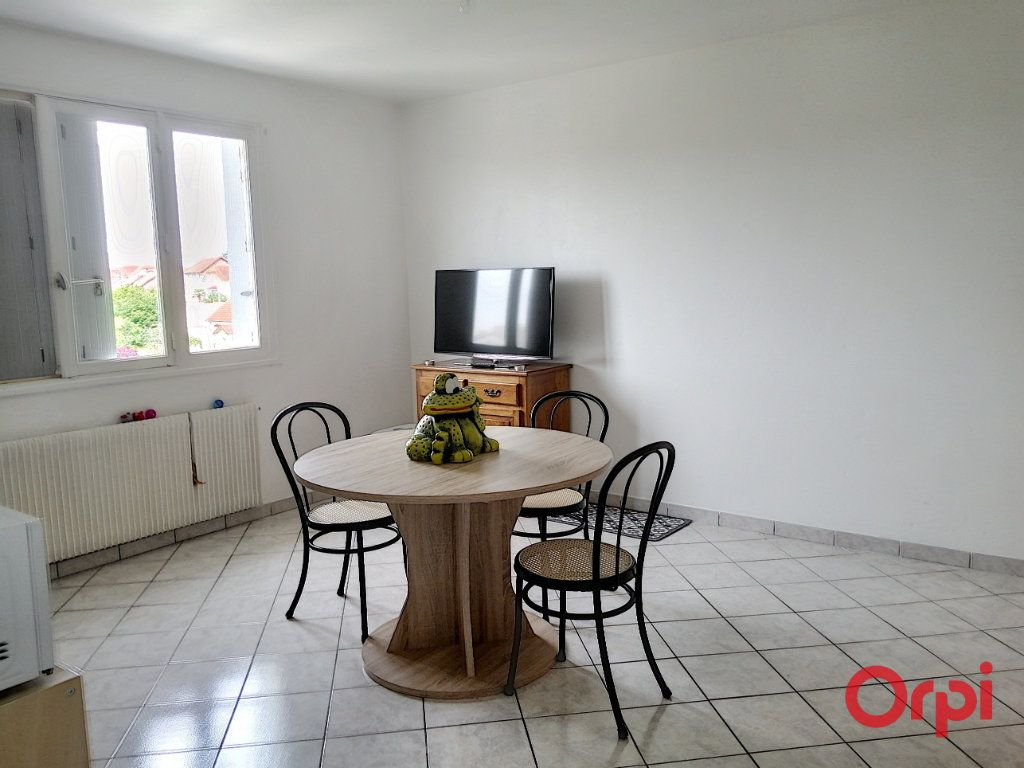 Appartement à vendre 2 42m2 à Montluçon vignette-2