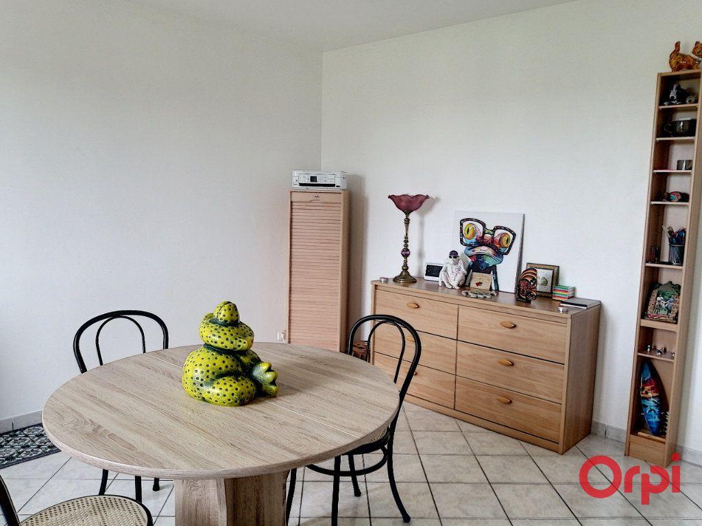 Appartement à vendre 2 42m2 à Montluçon vignette-4