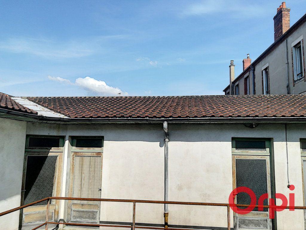 Immeuble à vendre 0 580m2 à Montluçon vignette-1