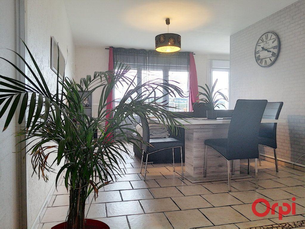 Appartement à vendre 3 65m2 à Montluçon vignette-1