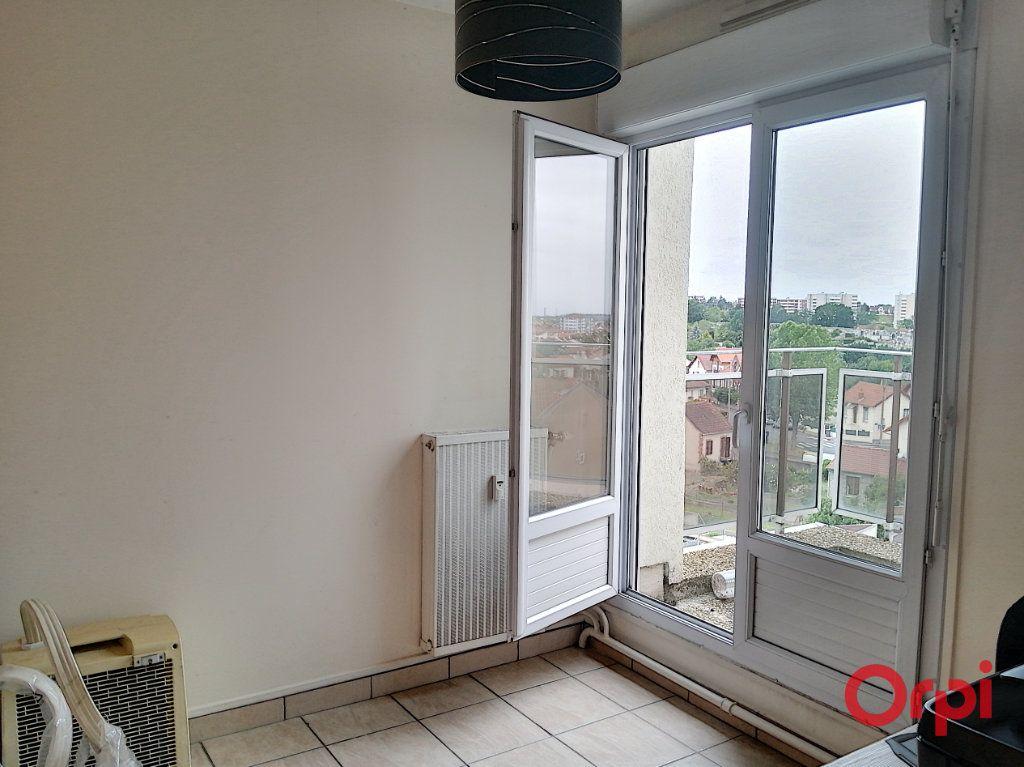 Appartement à vendre 3 65m2 à Montluçon vignette-9