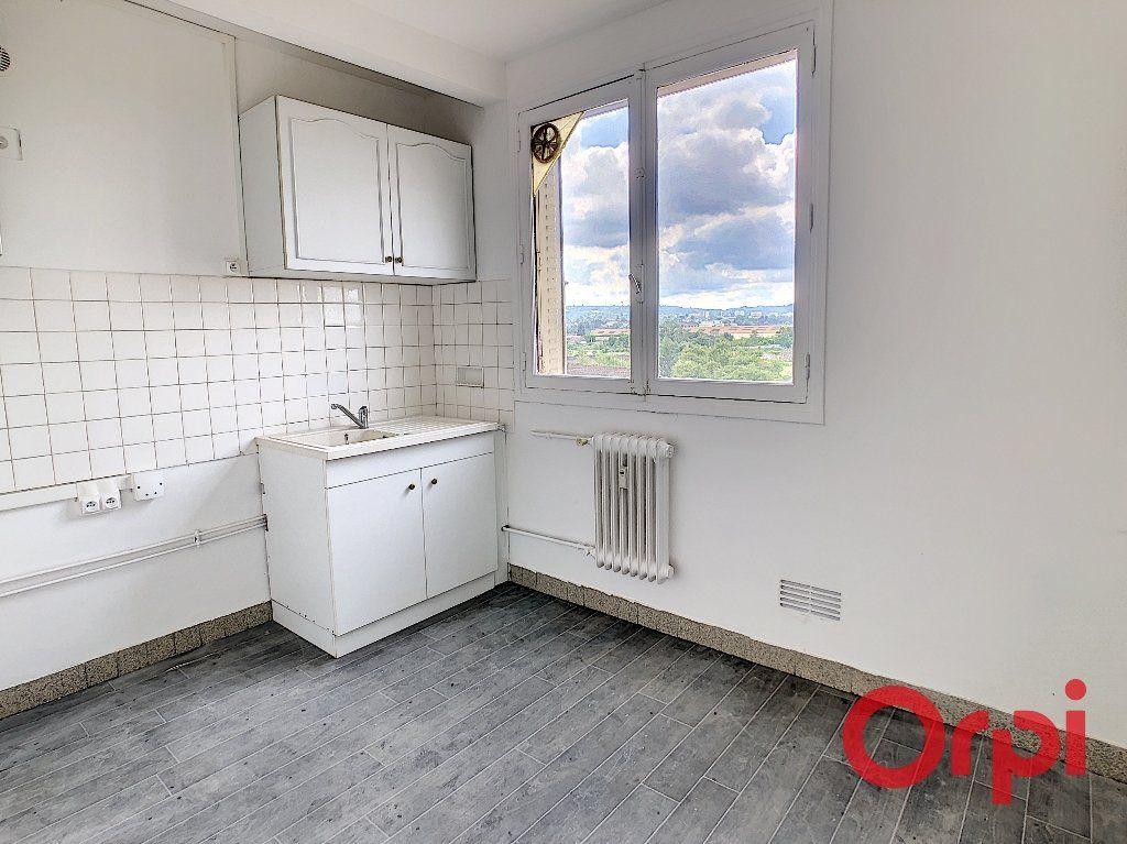 Appartement à vendre 4 65.82m2 à Montluçon vignette-6