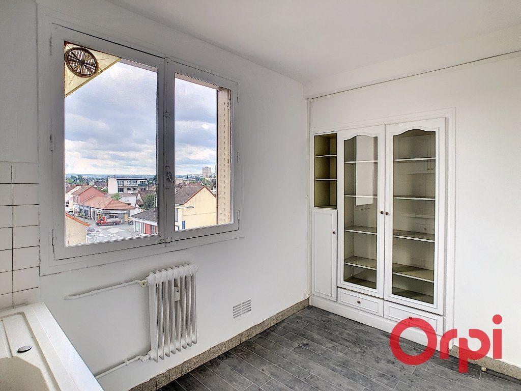 Appartement à vendre 4 65.82m2 à Montluçon vignette-7