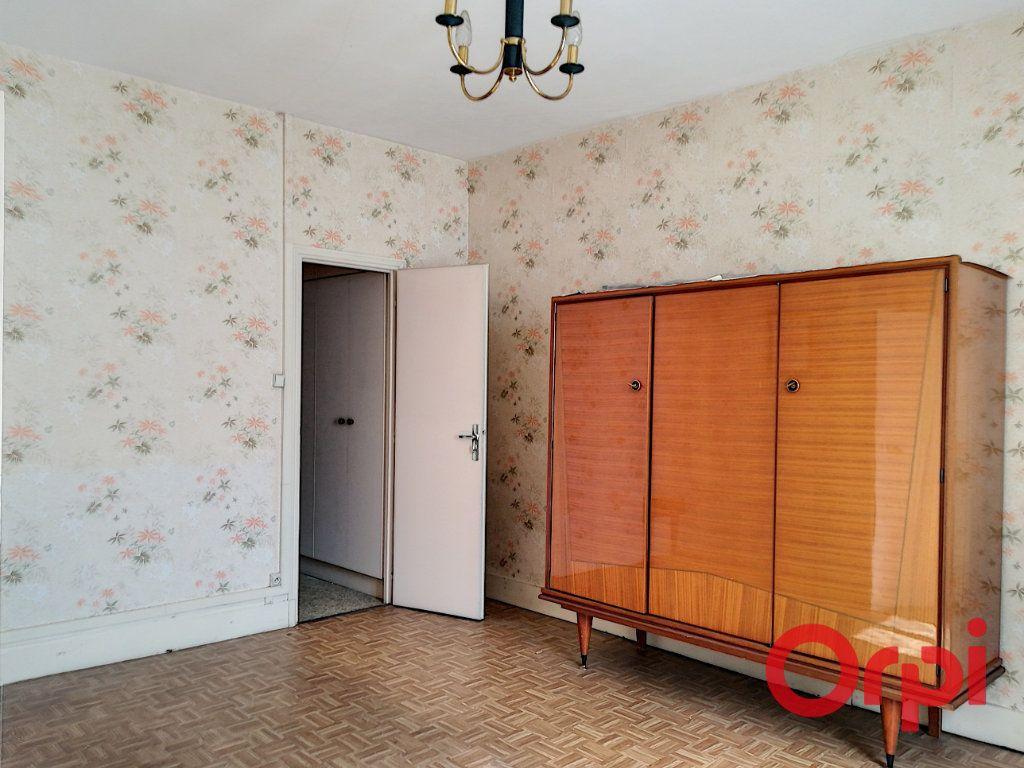 Immeuble à vendre 0 140m2 à Montluçon vignette-7