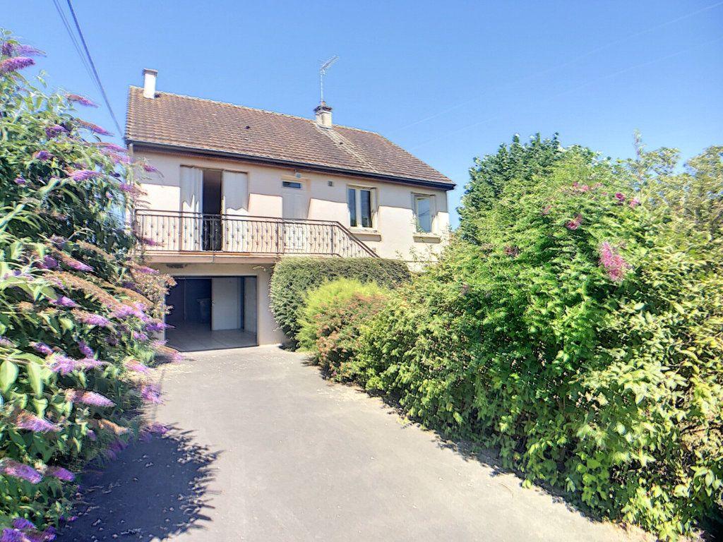 Maison à vendre 5 97m2 à Vallon-en-Sully vignette-1