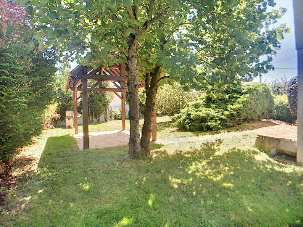 Maison à vendre 5 97m2 à Vallon-en-Sully vignette-2