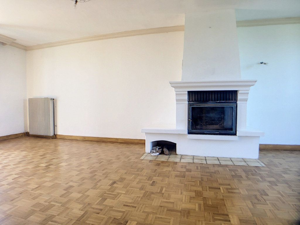 Maison à vendre 5 97m2 à Vallon-en-Sully vignette-6
