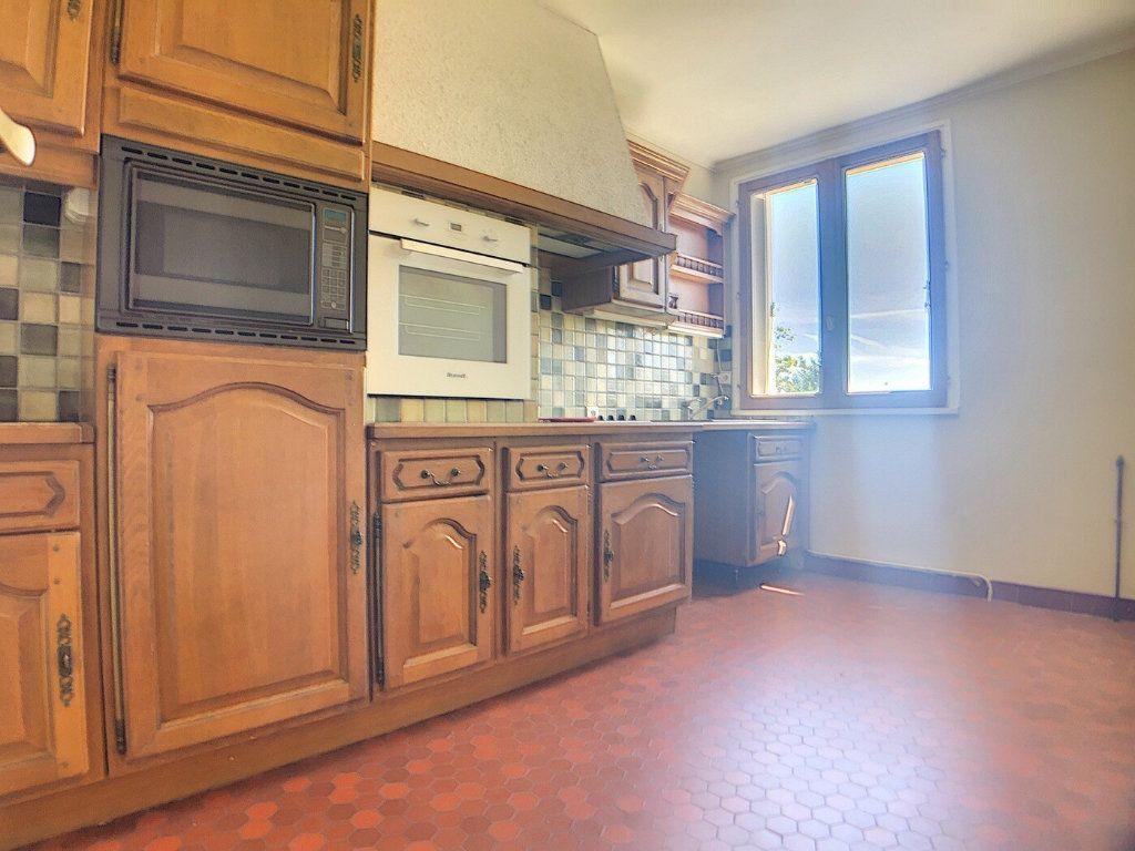 Maison à vendre 5 97m2 à Vallon-en-Sully vignette-7