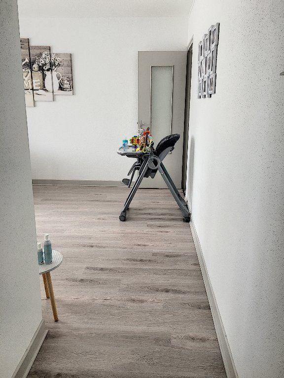 Appartement à vendre 5 96m2 à Montluçon vignette-4