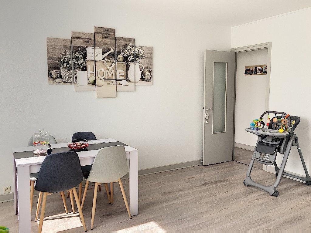 Appartement à vendre 5 96m2 à Montluçon vignette-6