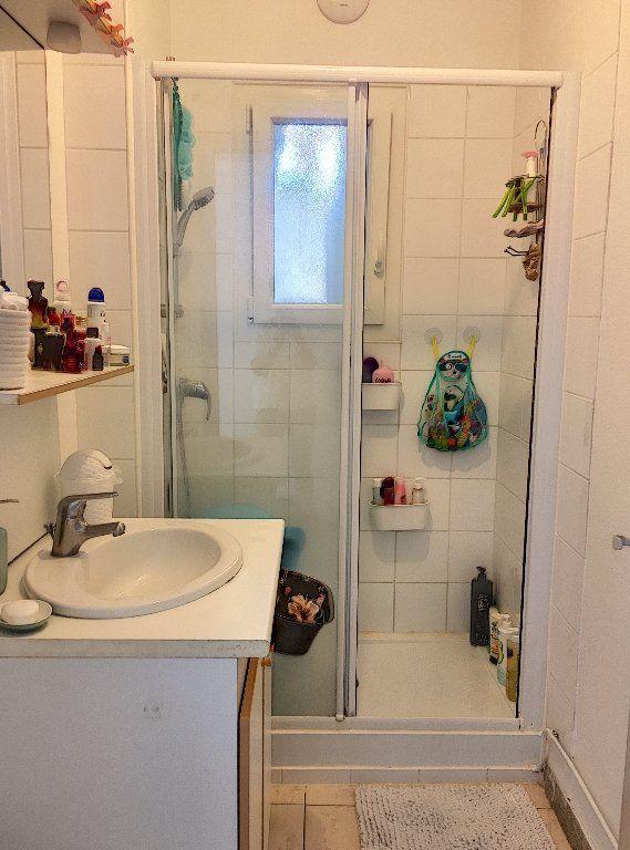 Appartement à vendre 5 96m2 à Montluçon vignette-8