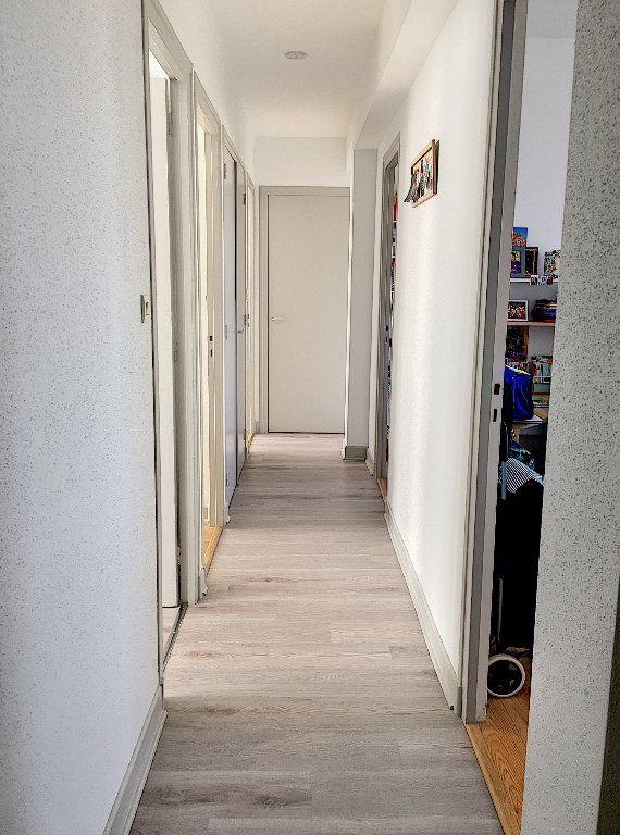 Appartement à vendre 5 96m2 à Montluçon vignette-9