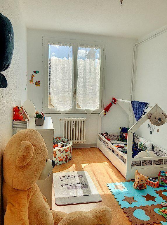 Appartement à vendre 5 96m2 à Montluçon vignette-10