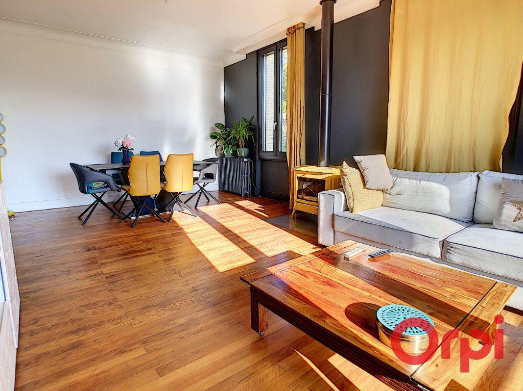Maison à vendre 6 115.67m2 à Montluçon vignette-2