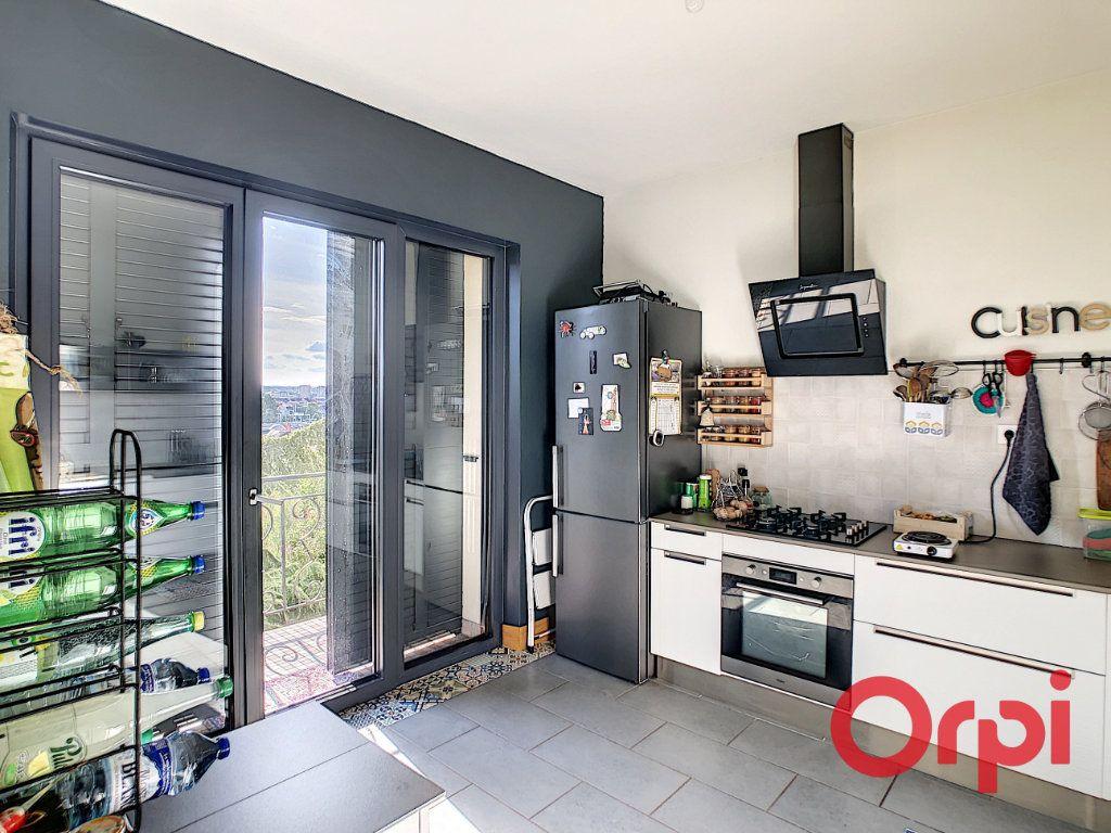 Maison à vendre 6 115.67m2 à Montluçon vignette-5