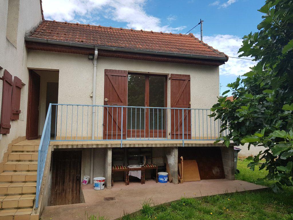 Maison à vendre 3 53m2 à Montluçon vignette-1