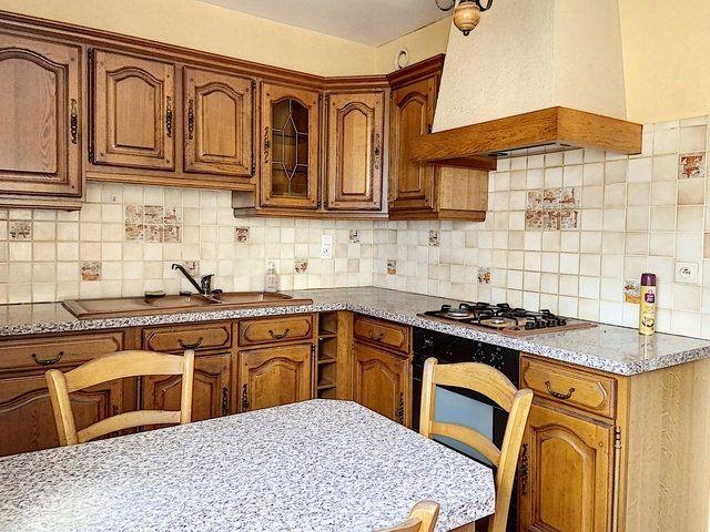 Appartement à vendre 4 90.91m2 à Montluçon vignette-4