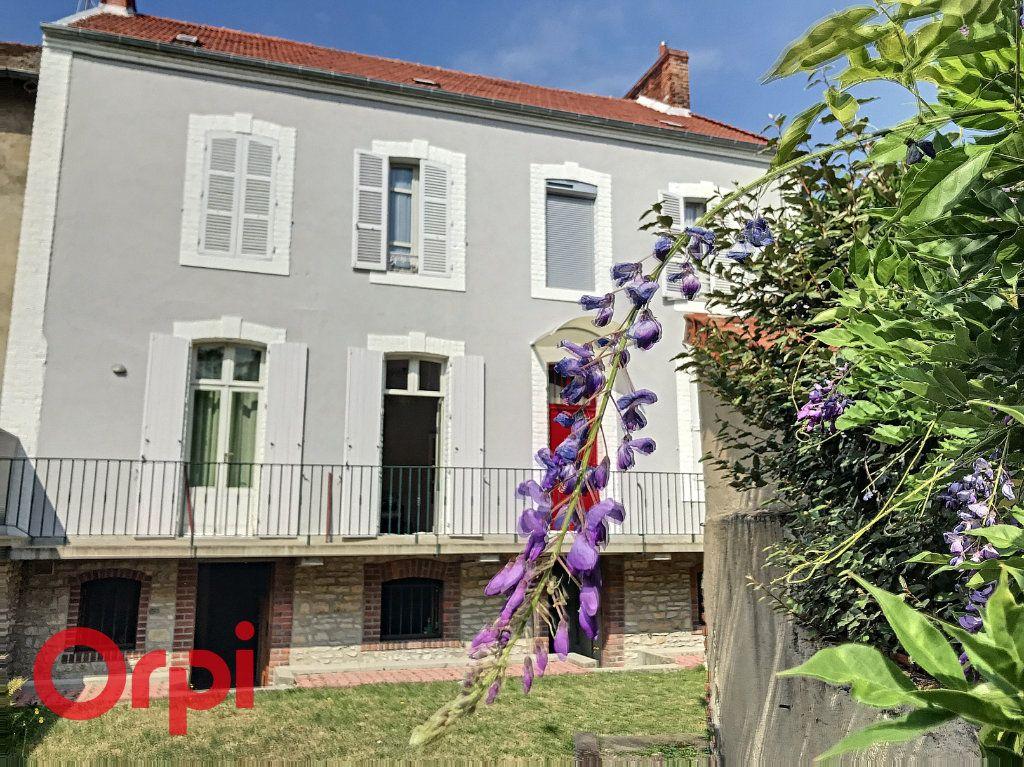 Maison à vendre 10 171m2 à Montluçon vignette-1