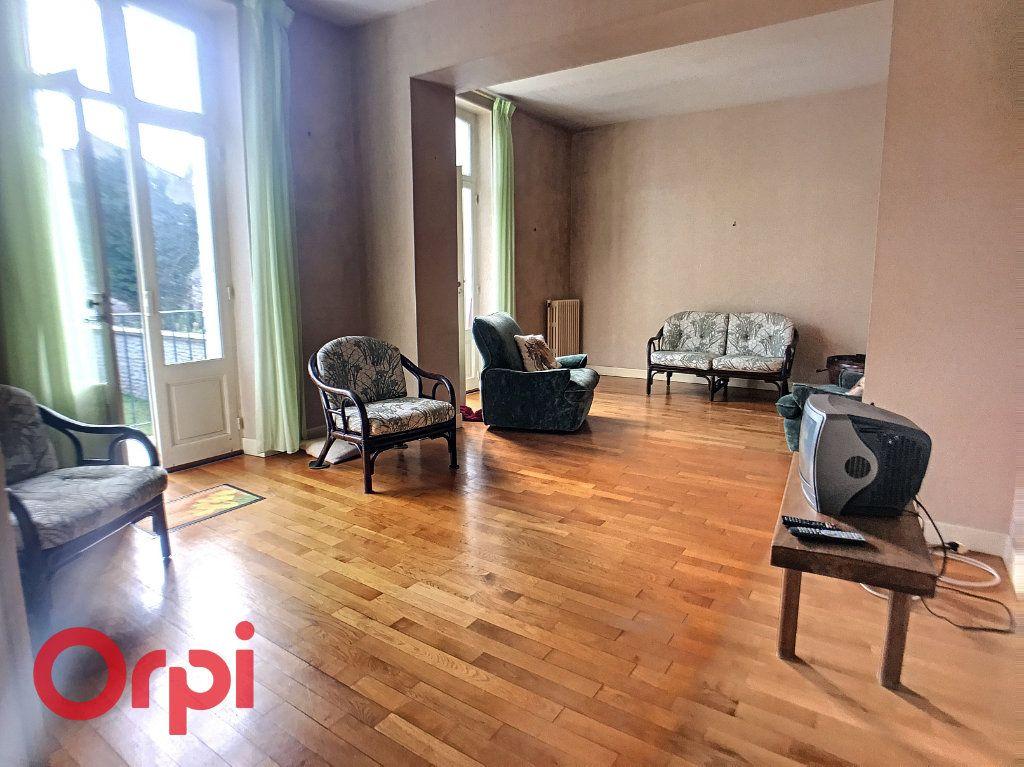 Maison à vendre 10 171m2 à Montluçon vignette-3