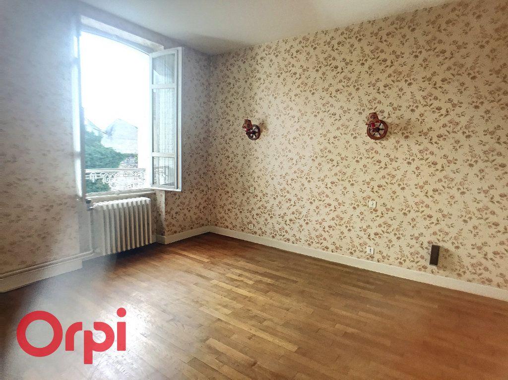 Maison à vendre 10 171m2 à Montluçon vignette-4