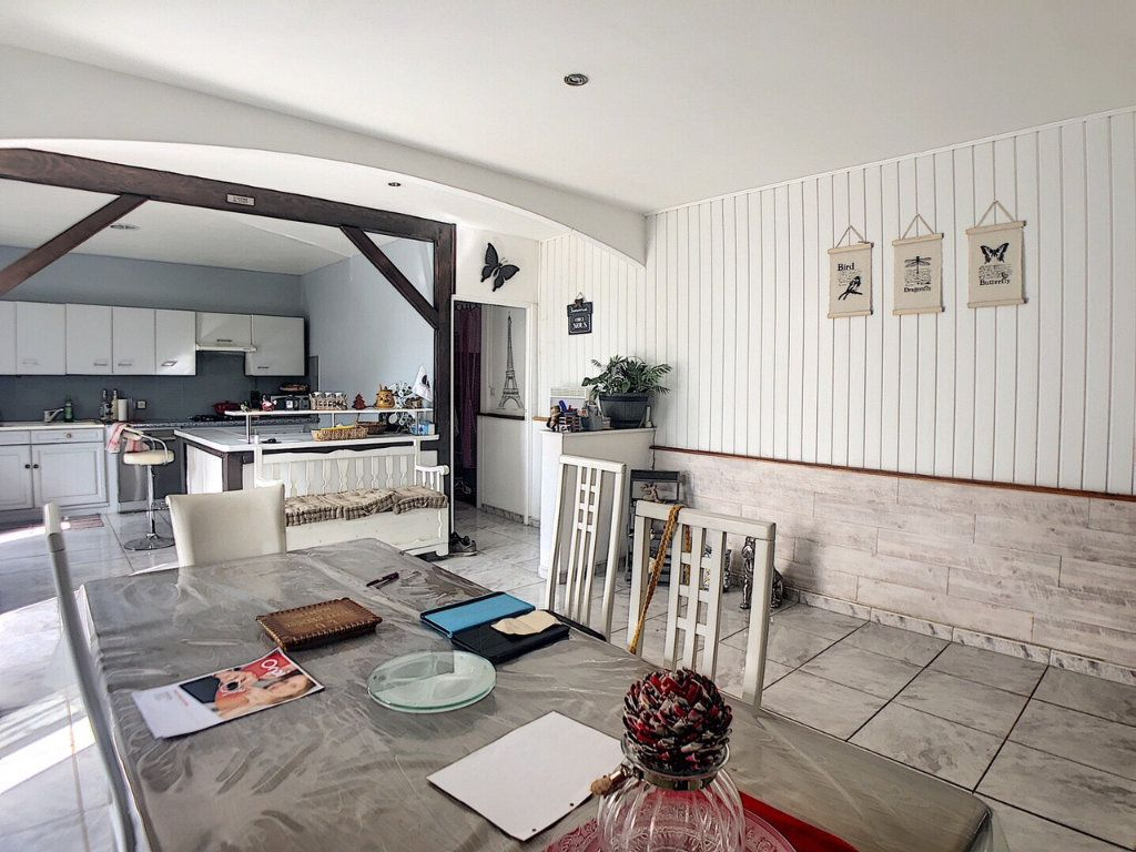 Maison à vendre 9 167m2 à Saint-Bonnet-Tronçais vignette-1