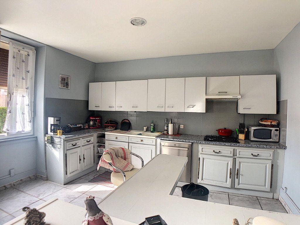 Maison à vendre 9 167m2 à Saint-Bonnet-Tronçais vignette-2