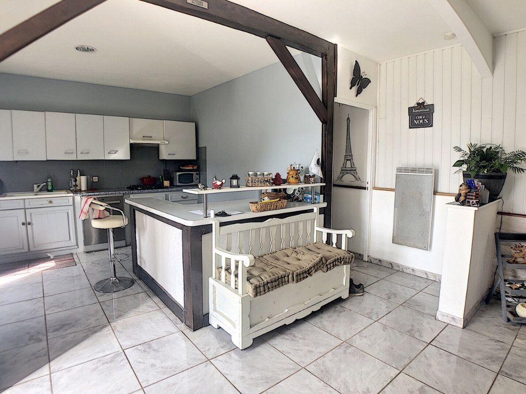 Maison à vendre 9 167m2 à Saint-Bonnet-Tronçais vignette-3