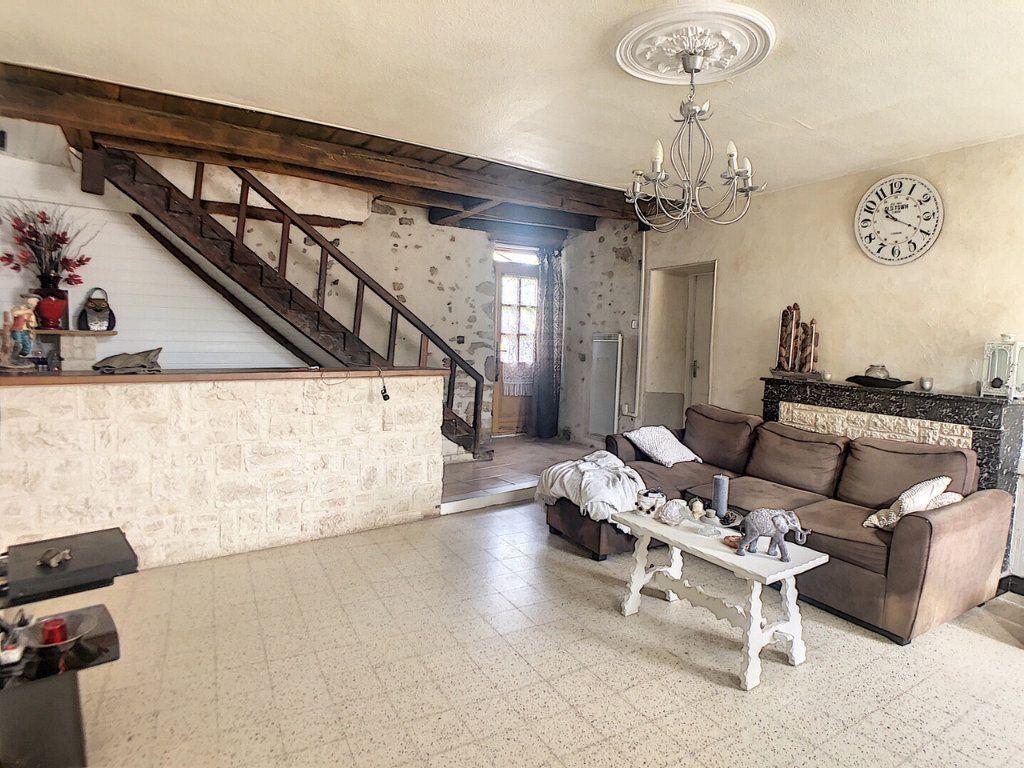 Maison à vendre 9 167m2 à Saint-Bonnet-Tronçais vignette-5