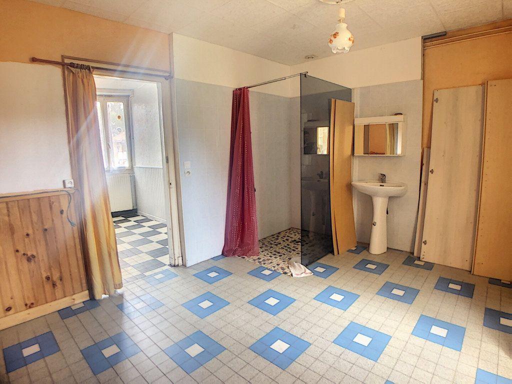 Maison à vendre 3 59m2 à Vallon-en-Sully vignette-3