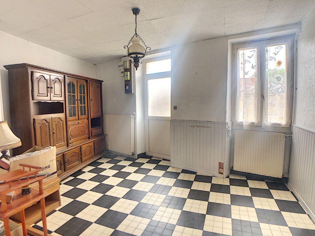 Maison à vendre 3 59m2 à Vallon-en-Sully vignette-4