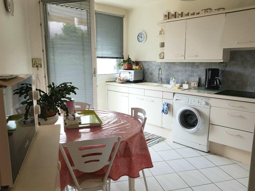 Appartement à vendre 5 98m2 à Montluçon vignette-7